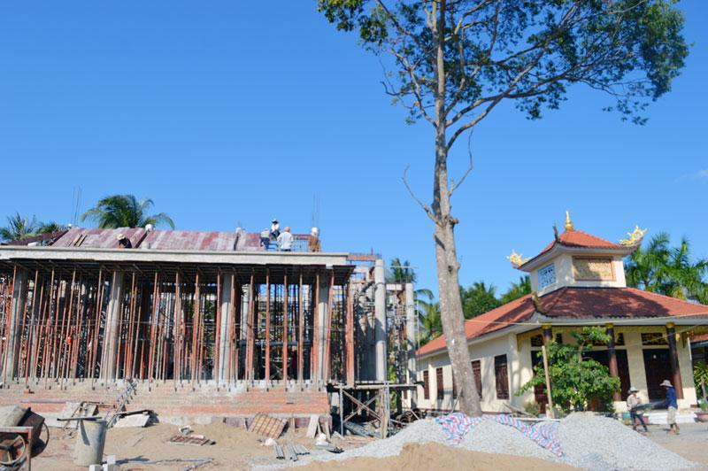 Khu lưu niệm Cụ Nguyễn Sinh Sắc đang được xây dựng tại khu di tích chùa Tuyên Linh, xã Minh Đức, Mỏ Cày Nam. Ảnh: A. Nguyệt