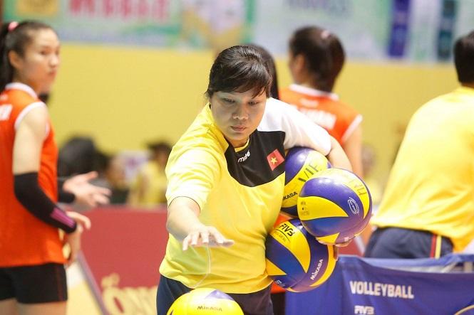 Vì cái tình với HLV Lê Thị Hiền nên Bùi Huệ sẽ thi đấu cho Quảng Ninh hết mùa giải 2020