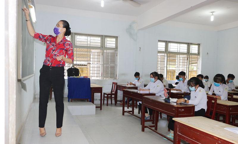 Tiết học của học sinh Trường THPT Nguyễn Trãi (Giồng Trôm).