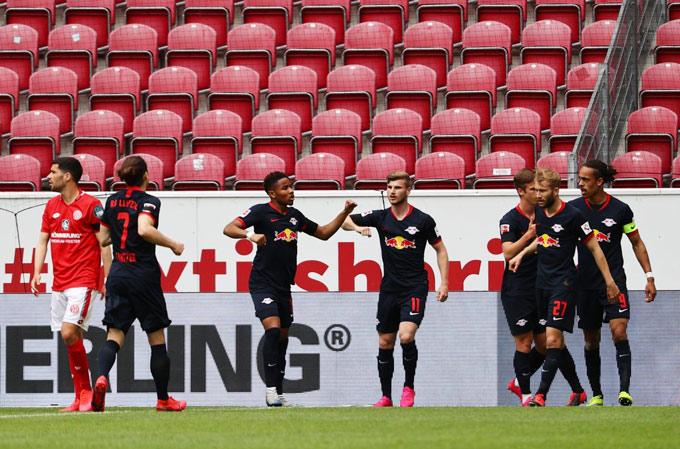 Leipzig đã có 1 chiến thắng đậm đề tiếp tục đua tranh cùng Bayern và Dortmund