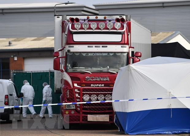 Chiếc xe tải chở 39 thi thể người Việt. Ảnh: AFP/TTXVN
