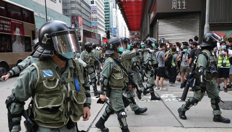 Người biểu tình đã xuống đường trong sự tức giận đối với luật an ninh quốc gia được đề xuất, mà một nguồn hợp pháp cao cấp khẳng định sẽ bắt nguồn từ hệ thống pháp lý của Hong Kong. Ảnh: SCMP