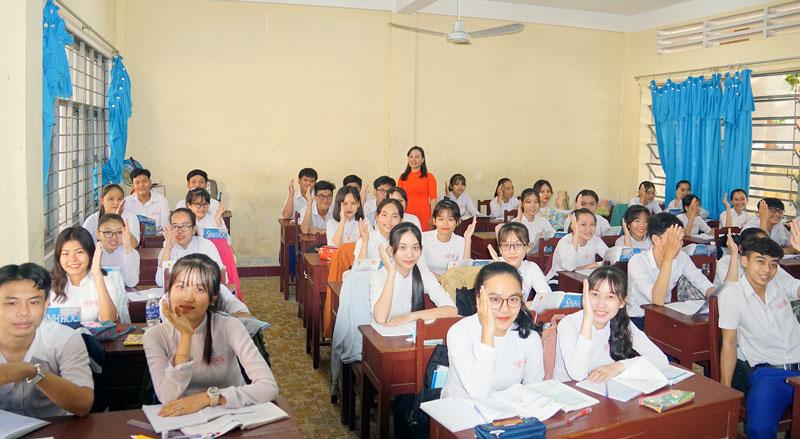 Trường THPT Phan Văn Trị là một trong những đơn vị trường trong huyện đạt kết quả cao về chất lượng giảng dạy.