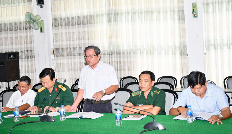 Đại biểu đóng góp ý kiến tại buổi toạ đàm.