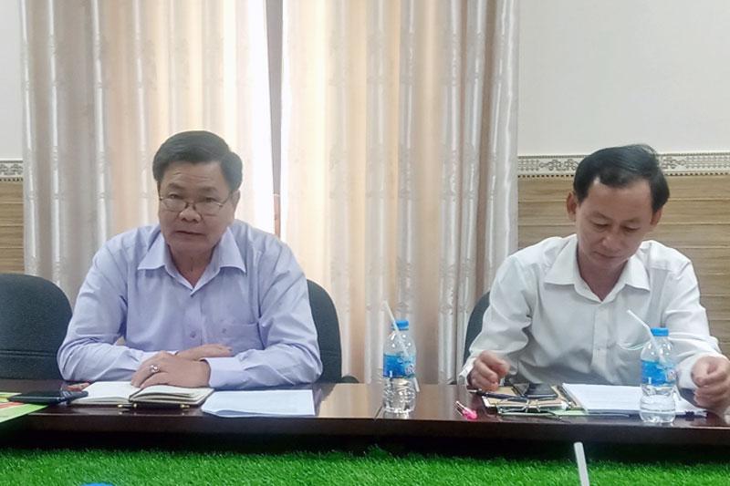 Phó chủ tịch UBND tỉnh Nguyễn Hữu Lập phát biểu tại buổi làm việc.