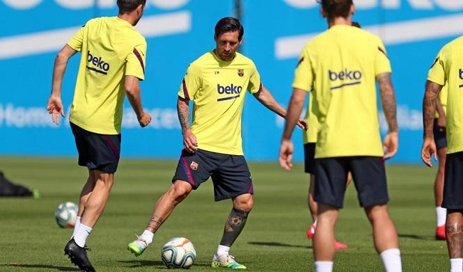 Messi không tập luyện cùng đồng đội
