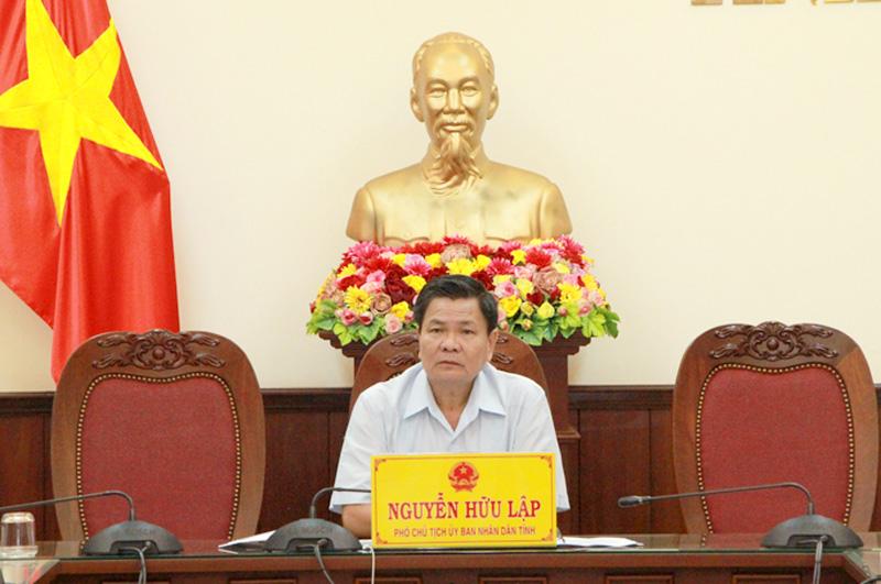 Phó Chủ tịch UBND tỉnh Nguyễn Hữu Lập chủ trì điểm cầu Bến Tre.