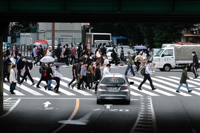 Giao thông trên đường phố thủ đô Tokyo ngày 18-5-2020. Ảnh: AFP/TTXVN