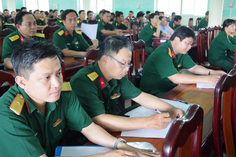 Các đại biểu dự buổi đối thoại.
