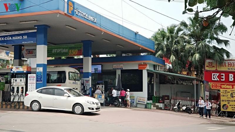Giá xăng, dầu tăng 4 lần liên tiếp trong những kỳ điều chỉnh gần đây.