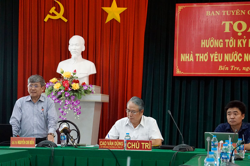 GS.TS Nguyễn Chí Bền phát biểu tại buổi tọa đàm.