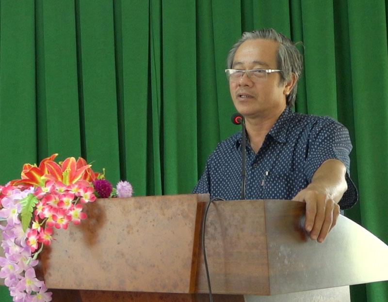 Phó chủ tịch UBND huyện Nguyễn Minh Đức phát biểu kết luận hội nghị.