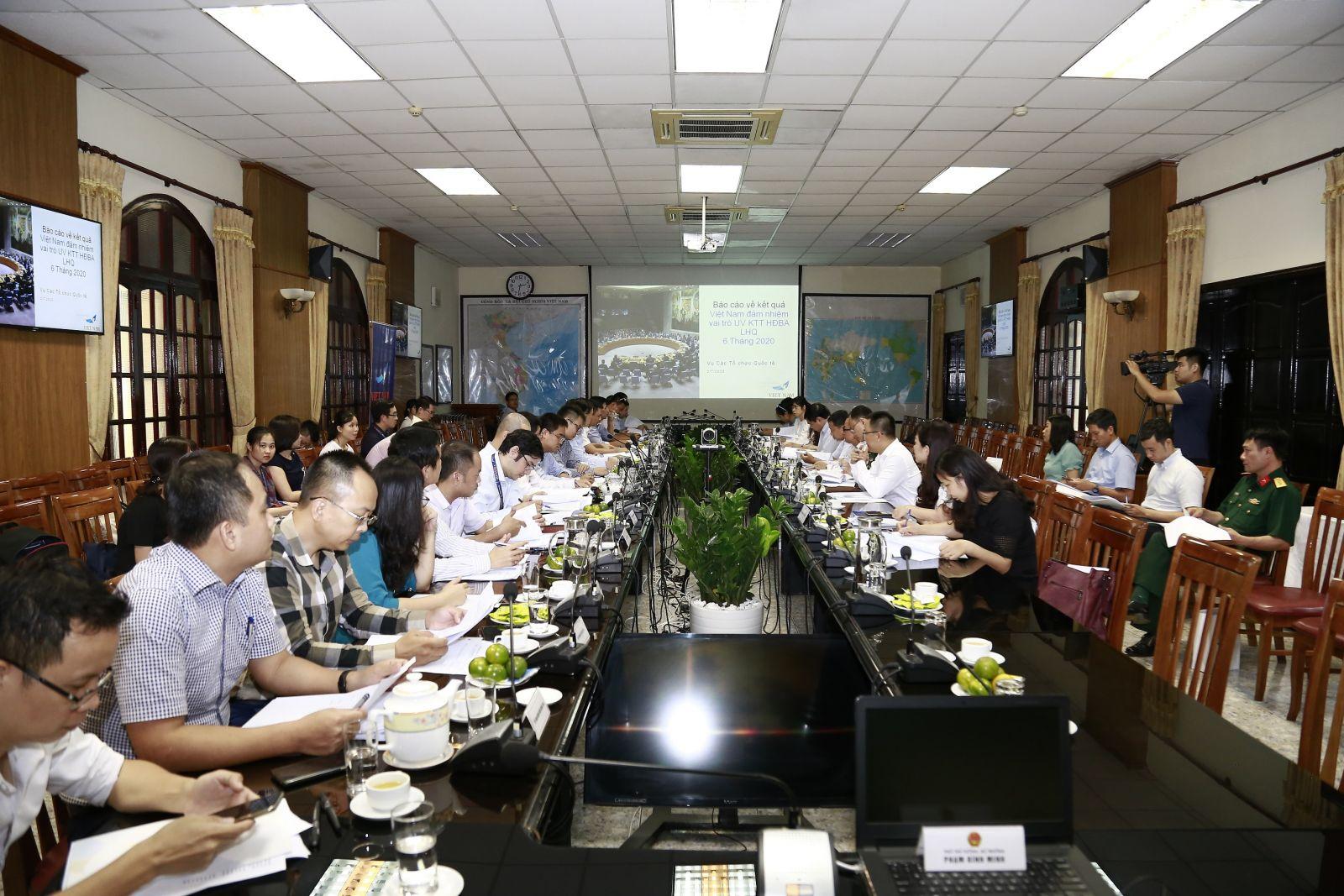 Tổ công tác họp sơ kết công tác tham gia HĐBA của Việt Nam trong 6 tháng đầu năm 2020 và thảo luận về phương hướng, nhiệm vụ trong thời gian tới