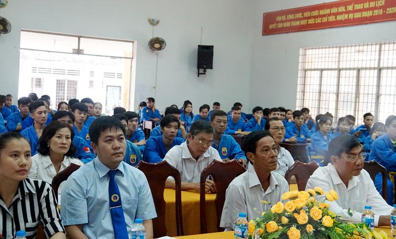 Đông đảo học viên tham dự lớp bồi dưỡng.