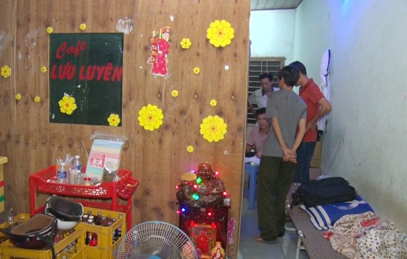 Lực lượng chức năng kiểm tra quán cafe Lưu Luyến