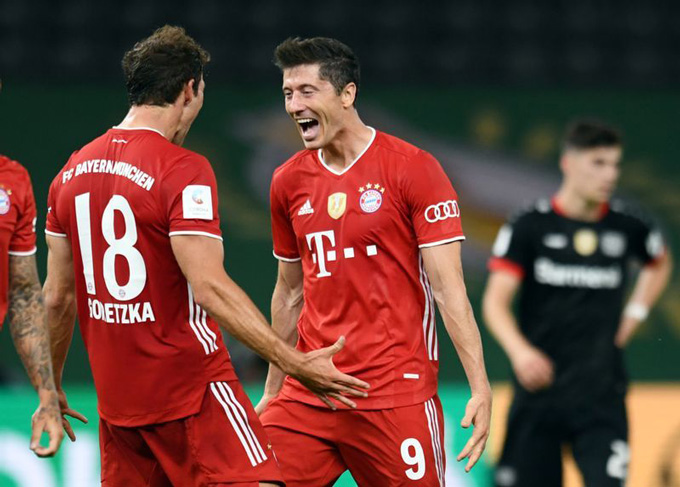 Lewandowski đóng góp 2 bàn thắng trong chiến thắng 4-2 của Bayern trước Leverkusen tại chung kết cúp quốc gia Đức
