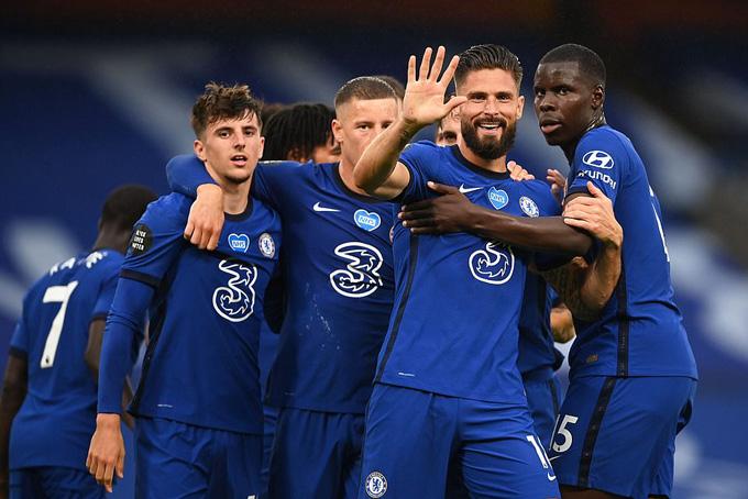 Chelsea đại thắng Watford để đòi lại vị trí thứ 4 từ tay M.U