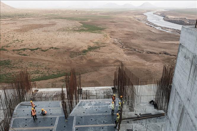 Toàn cảnh công trình xây dựng đập thủy điện Đại Phục Hưng ở gần Guba, Ethiopia. Ảnh tư liệu: AFP/TTXVN
