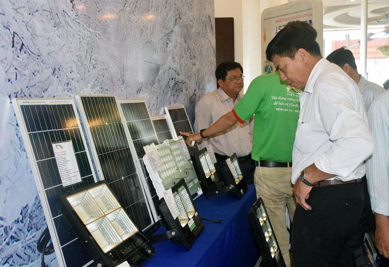 Giới thiệu những sản phẩm sử dụng từ điện mặt trời.