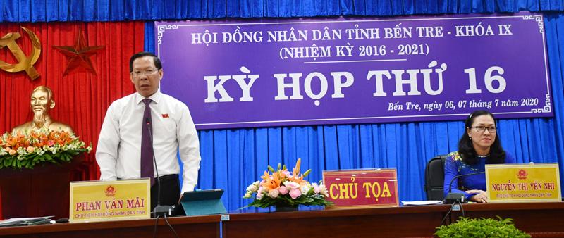 Bí thư Tỉnh ủy, Chủ tịch HĐND tỉnh tham gia thảo luận tại kỳ họp. Ảnh: Hữu Hiệp