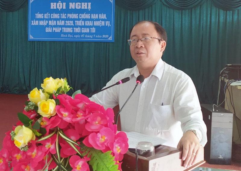 Chủ tịch UBND huyện Nguyễn Văn Dũng phát biểu chỉ đạo tại hội nghị.