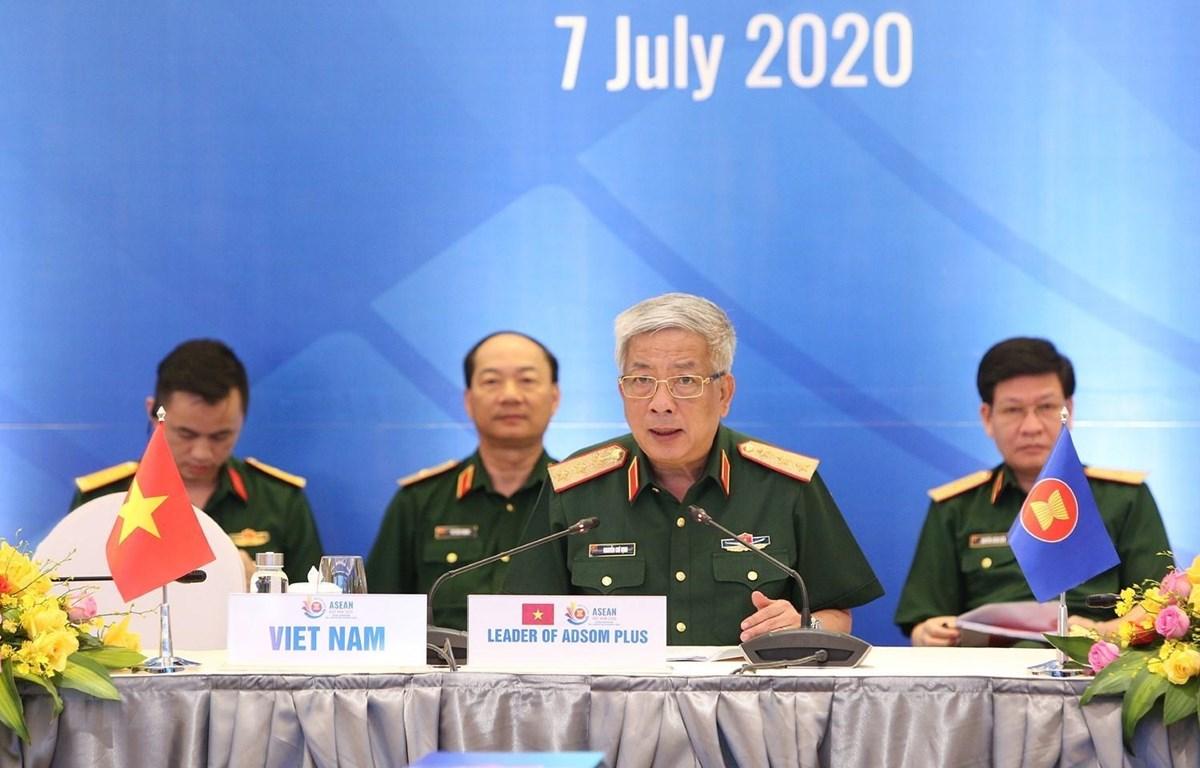 Thượng tướng Nguyễn Chí Vịnh, Thứ trưởng Bộ Quốc phòng, Trưởng ADSOM Việt Nam chủ trì hội nghị. Ảnh: Dương Giang/TTXVN
