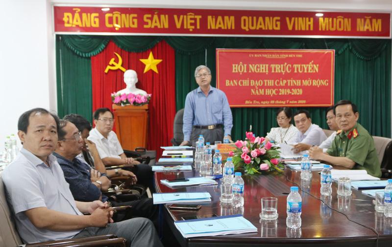 Phó chủ tịch Thường trực UBND tỉnh Nguyễn Văn Đức phát biểu tại hội nghị. Ảnh: P. Hân