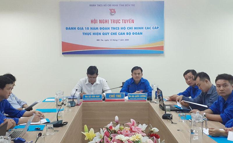 Đại biểu tham gia hội nghị tại điểm cầu của tỉnh.