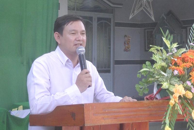 Phó chủ tịch Ủy ban MTTQ Việt Nam tỉnh Nguyễn Phúc Linh phát biểu.