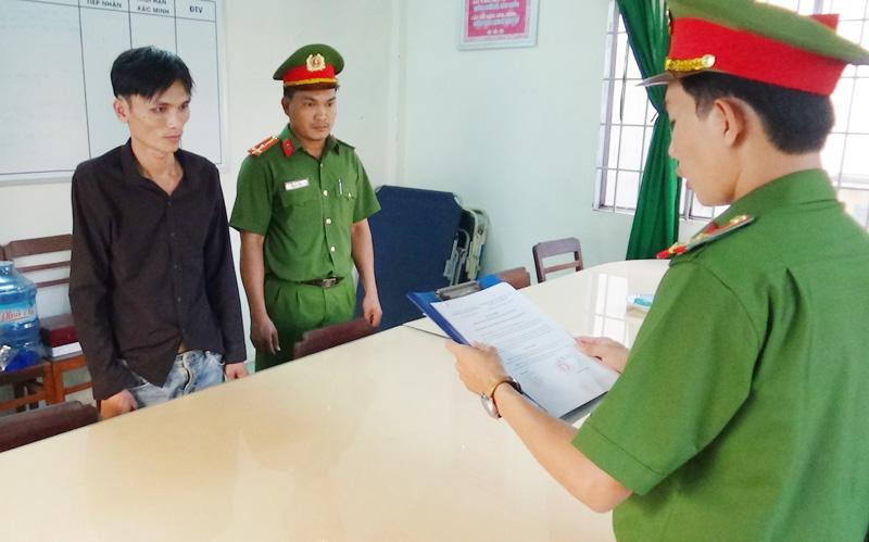 Đối tượng Quân tại cơ quan cảnh sát điều tra.