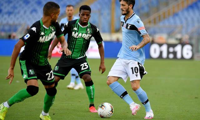 Alberto tỏa sáng nhưng chưa đủ để giúp Lazio thắng trận