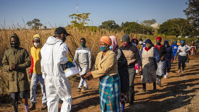 Nam Phi chứng kiến số ca lây nhiễm bệnh tăng mạnh trở lại. Ảnh: EPA-EFE