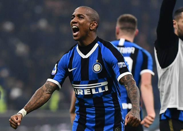 Young mở màn cho cú lội ngược dòng của Inter trên sân nhà