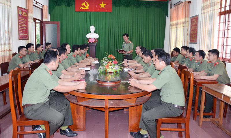 Một buổi sinh hoạt chính trị của Đảng bộ Phòng An ninh đối ngoại.