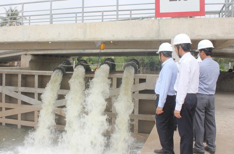 Công trình cống Cái Sơn (xã Phú Túc, huyện Châu Thành) vừa hoàn thành giúp ngăn mặn, trữ ngọt.