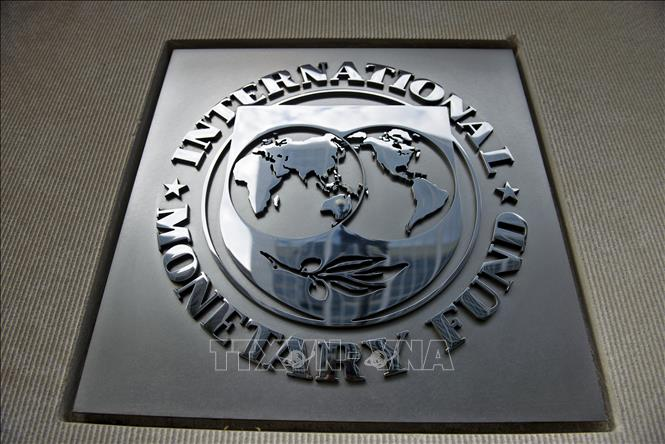 Biểu tượng Quỹ Tiền tệ quốc tế (IMF) tại Washington DC., Mỹ. Ảnh: AFP/TTXVN