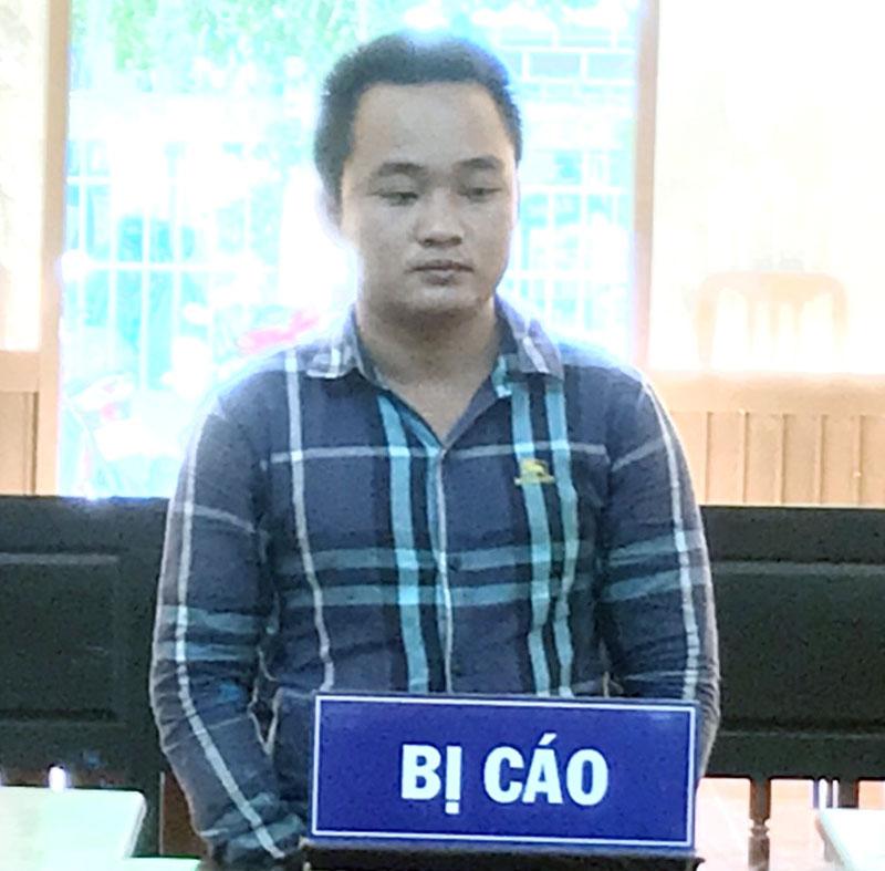 Bị cáo Nguyễn Hoài Hận tại phiên tòa hình sự sơ thẩm chiều 23-7-2020. Ảnh: Chí Đức