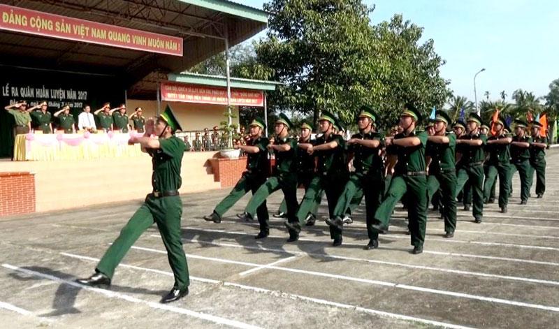 Khối lực lượng Bộ đội Biên phòng tỉnh duyệt binh tại lễ ra quân huấn luyện năm 2020. Ảnh: B. Cương