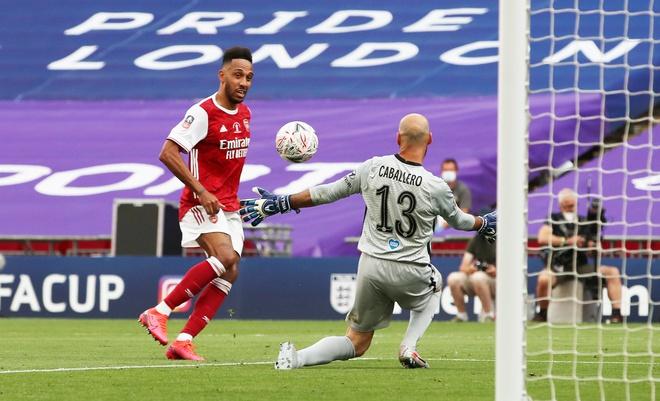 Aubameyang chơi thăng hoa giúp Arsenal đăng quang FA Cup. Ảnh: Reuters