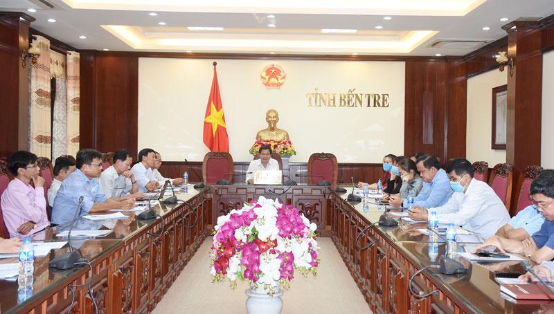 Phó chủ tịch UBND tỉnh chủ trì điểm cầu tỉnh.