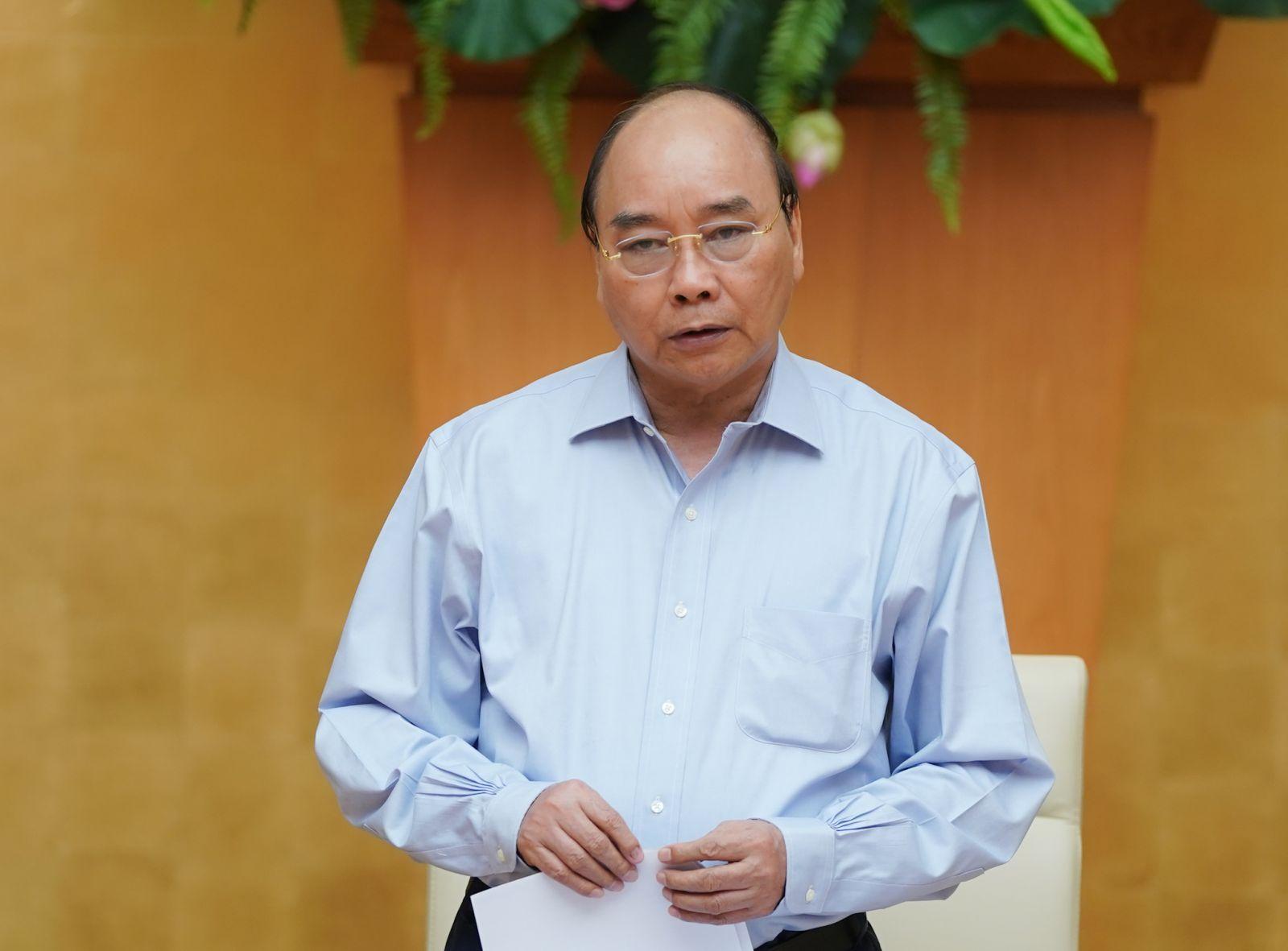 Thủ tướng Nguyễn Xuân Phúc yêu cầu các địa phương đang có dịch phải kịp thời tăng cường, bảo đảm có đủ vật tư, sinh phẩm phục vụ xét nghiệm