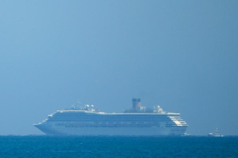 Tàu du lịch Costa Magica đã bị từ chối cập cảng ở hầu hết các đảo thuộc khu vực Caribe vào tháng 3-2020 khi hành khách có các triệu chứng coronavirus. Ảnh: bangkokpost.com
