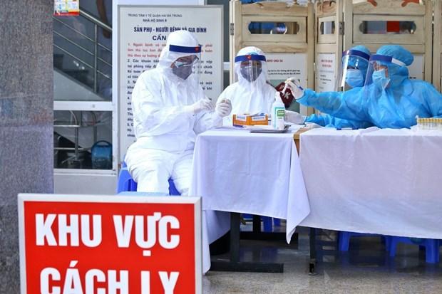 Khu vực lấy mẫu dịch hầu họng để xét nghiệm bằng phương pháp RT-PCR cho người dân trở về từ Đà Nẵng. Ảnh: Minh Quyết/TTXVN