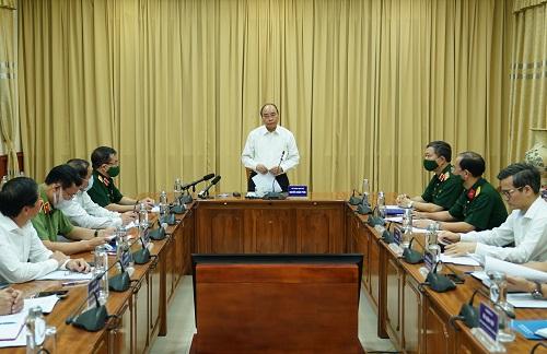 Thủ tướng làm việc với Ban Quản lý Lăng Chủ tịch Hồ Chí Minh - Ảnh: VGP/Quang Hiếu
