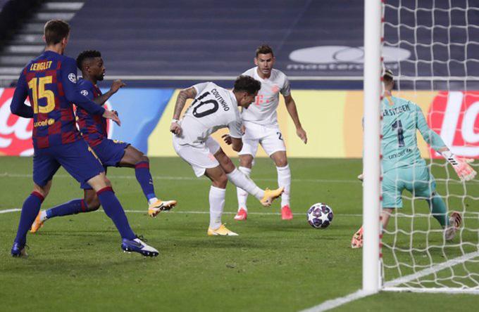 Coutinho lập cú đúp bàn thắng chỉ trong vòng 5 phút cuối trận