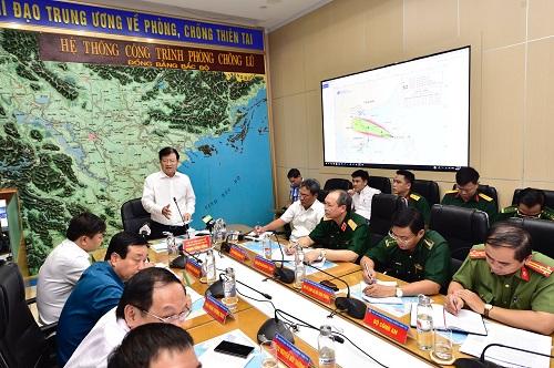 Phó thủ tướng Trịnh Đình Dũng phát biểu tại cuộc họp. Ảnh: VGP/Đoàn Bắc