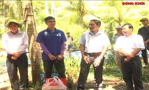 Bí thư Tỉnh ủy thăm chiến sĩ Mùa hè xanh tại xã Tân Lợi Thạnh