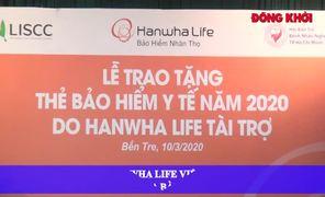 Công ty Hanwha Life trao thẻ BHYT cho hộ cận nghèo trên địa bàn TP.Bến Tre