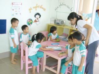 """Rèn luyện đạo đức nhà giáo góp phần xây dựng """"Trường học thân thiện - Học sinh tích cực"""""""