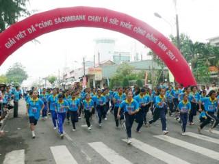 """Đông đảo học sinh THCS, THPT tham gia Giải Việt dã vì """"Sức khỏe cộng đồng"""""""